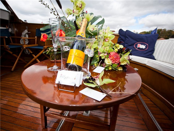 Flowers by Lilypots on the Lorelei's open aft deck is perfect for the surprise proposal!  We can take care of everything!   Photo courtesy of Matt Mason Photography.