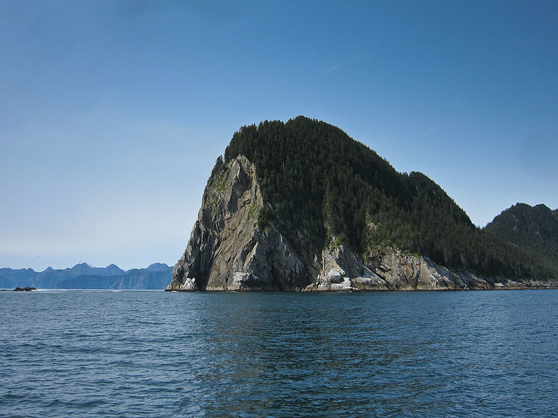 PS_2626  Granite Cape at south end of Granite Island.