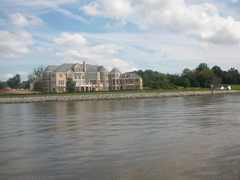 Estates viewed from the Potomac<br /> 07 Sep 2003