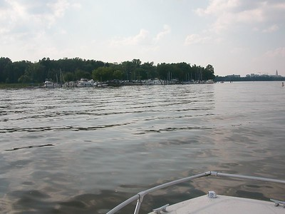 Approaching Belle Haven marina.  19 July 2003