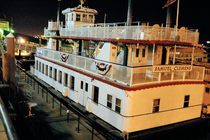 Samuel Clemens Tour Boat