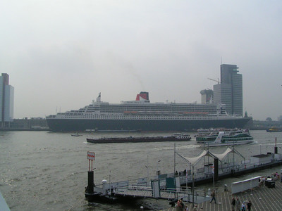 Queen Mary in Rotterdam, July 2004