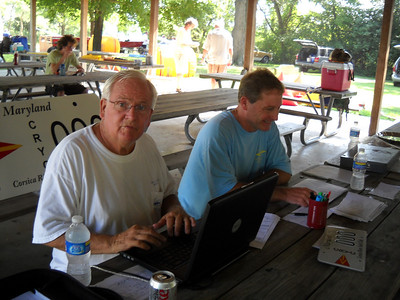 Bob Elliott and Roby Hottel on registration.