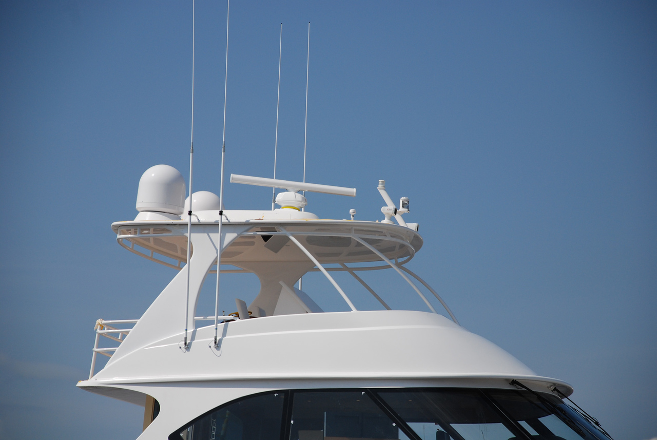 82 006 This Boat is equiped with DirecTV L.A.