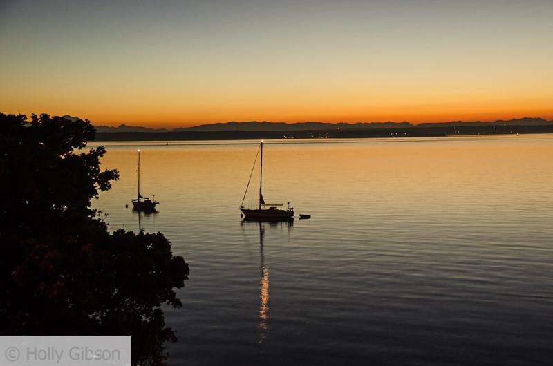 Sailboat at dawn - 80