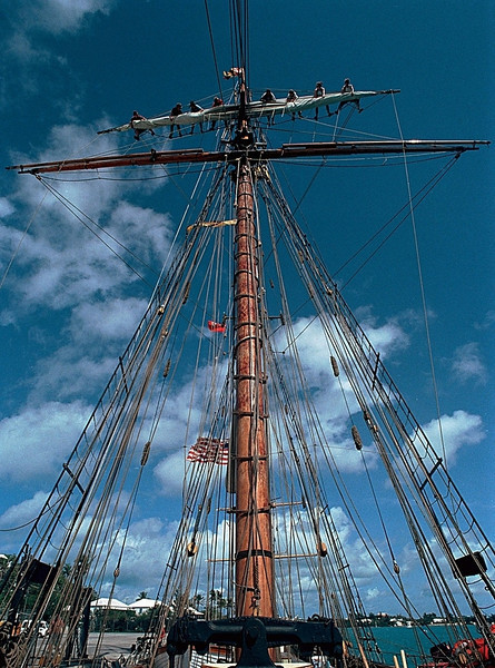Furling the Topsail, Pride of Baltimore II, Hamilton, Bermuda