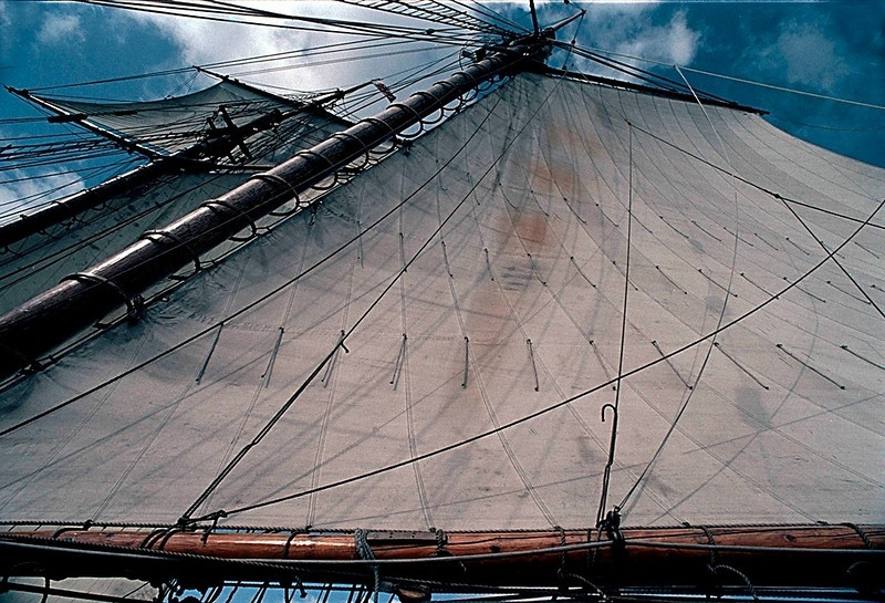 Mainsail, Pride of Baltimore II, enroute to the Bahamas