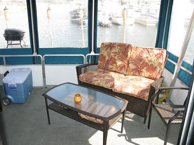 Sun Tracker Houseboat