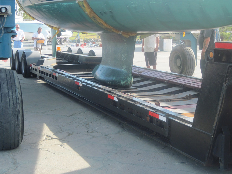 The keel sits on a rubber pad in a special reinforced part of the trailer that expects 20,000 pounds.