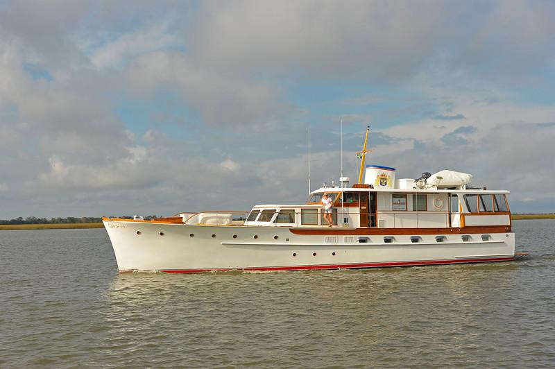 Trumpy Yacht Liberty Southbound in Jekyll Creek 11-13-18