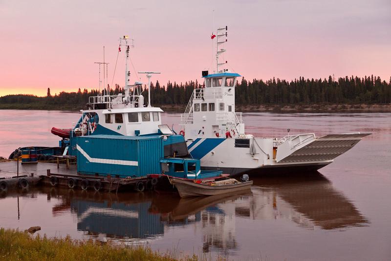 Tug Nelson River and barge Niska I at Moosonee.