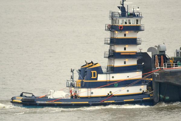 Discovery Coast / Pnn 40 New Tug Newburgh NY 10/25/12 17:02 Hd Hrs Profile in the wheelhouse