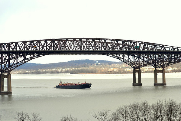 Zachery Reinauer /RTC 42 Newburgh-Beacon bridge 2/20/13