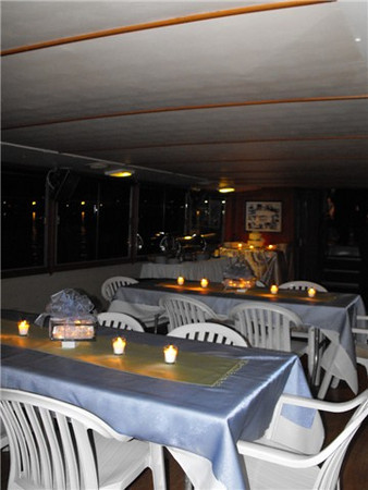 Table seating for up to 50 guests.