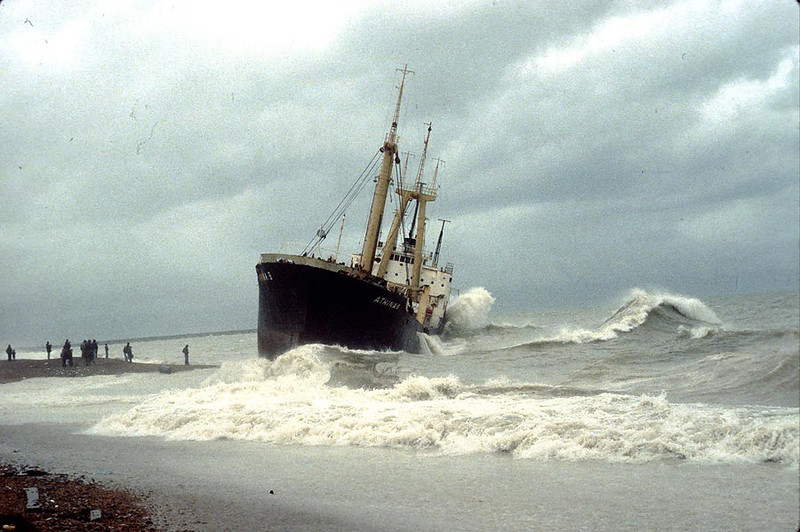 'Athina B' beached at Brighton 2nd Feb 1980