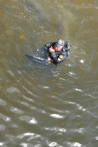 Inspection Dive by Rusty Whiting of Lighthouse Dive Services on Sunken Shrimp Boat at Mary Ross Waterfront Park Docks 04-18-12