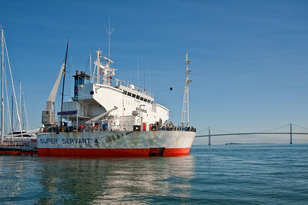 Super Servant 4 anchored in the East Passage of Narragansett Bay