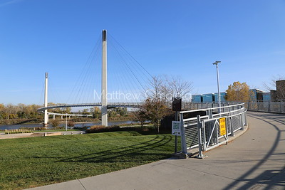 One way to convey to you the S-shaped design of the Bob Kerrey foot bridge.