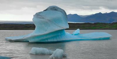 Iceland_A_4547864_lightgreen