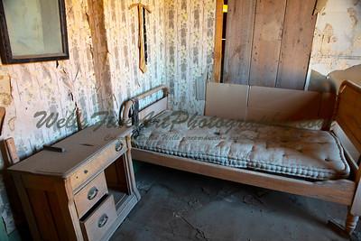 387A8010 Bedroom