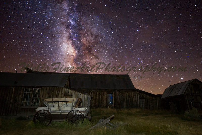 IMG_4650 Wagon by morgue & Milky Way