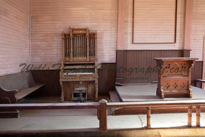 387A8161 Organ & pulpit