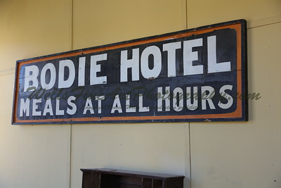 387A8106 Bodie hotel sign