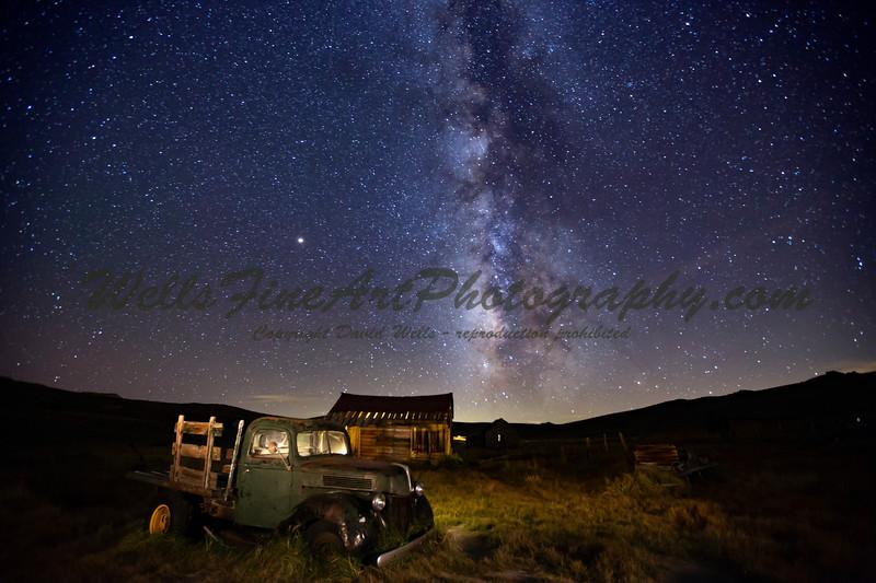 IMG_4679 Green pickup truck, barn & MIlky Way