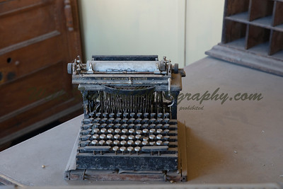 387A8108 Smith Premier Typewriter