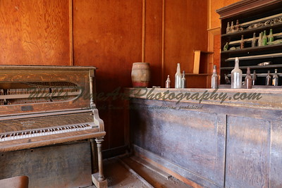 387A8257 Piano & bar