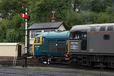 50042 and 33110 at Bodmin General