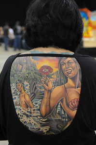 Connie was kind enough to let me get aa shot of the art on her back