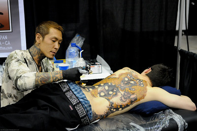 The artist from Horiryu Tattoo was working on a fantastic tat the whole night...