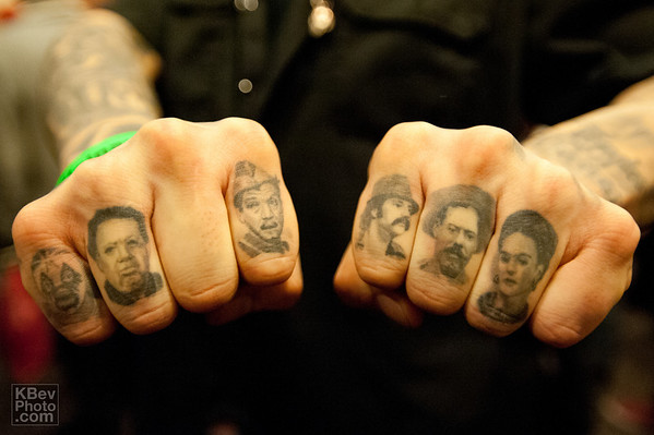 Alejandro added his right index and ring fingers since last year (see that photo in the 2012 gallery)