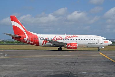 AirAsia.com-Indonesia AirAsia Boeing 737-301 PK-AWW (msn 23554) DPS (Michael B. Ing). Image: 929248.