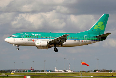 Aer Lingus Boeing 737-548 EI-CDG (msn 25738) DUB (SM Fitzwilliams Collection). Image: 921178.