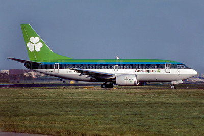 Aer Lingus Boeing 737-548 EI-BXE (msn 24878) LGW (SM Fitzwilliams Collection). Image: 910751.