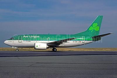 Aer Lingus Boeing 737-548 EI-CDF (msn 25737) CDG (Christian Volpati). Image: 931713.