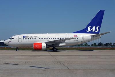 Braathens-SAS Boeing 737-683 LN-RRY (msn 28297) LHR. Image: 925231.