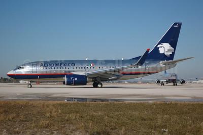 AeroMexico Boeing 737-752 WL XA-HAM (msn 33789) MIA (Bruce Drum). Image: 100009.