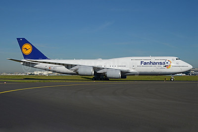 "First Lufthansa Boeing 747-800 with ""Fanhansa"" titles"