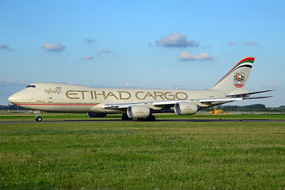 Etihad Airways Cargo (Etihad AIrways)-Atlas Air Boeing 747-87UF N855GT (msn 37567) AMS (Ton Jochems). Image: 913266.