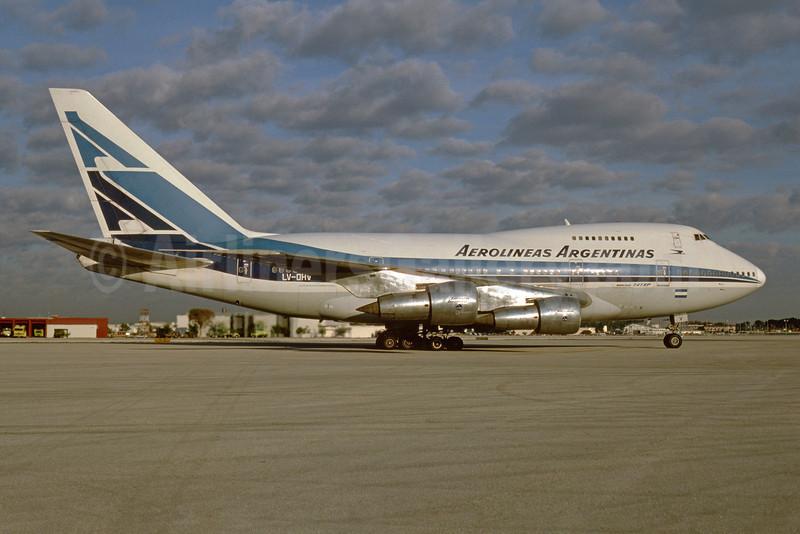 Aerolineas Argentinas Boeing 747SP-27 LV-OHV (msn 21786) MIA (Bruce Drum). Image: 103404.
