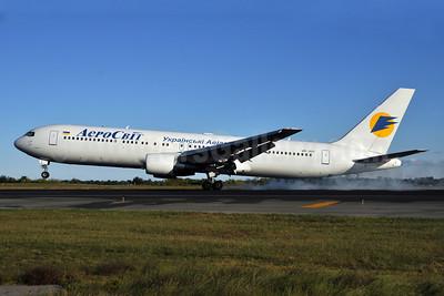 AeroSvit Ukrainian Airlines Boeing 767-3Q8 ER UR-VVT (msn 28132) JFK (Ken Petersen). Image: 903815.