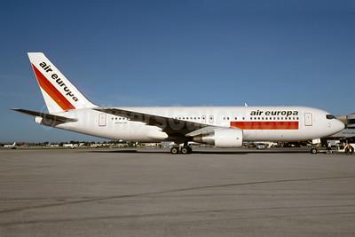 AirEuropa Boeing 767-204 ER EC-GOJ (msn 23072) MIA (Bruce Drum). Image: 103579.