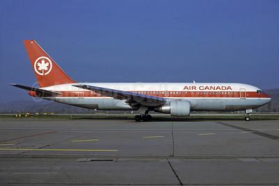 Air Canada Boeing 767-233 ER C-GAVF (msn 22528) ZRH (Rolf Wallner). Image: 929937.