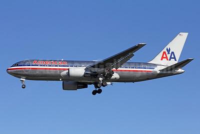 American Airlines Boeing 767-223 ER N327AA (msn 22327) LAX (Michael B. Ing). Image: 910502.