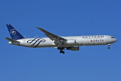 Delta Air Lines Boeing 767-432 ER N844MH (msn 29717) (SkyTeam) MAD (Yannick Delamarre). Image: 903051.