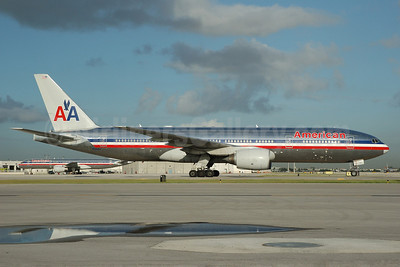 American Airlines Boeing 777-223 ER N785AN (msn 30005) MIA (Bruce Drum). Image: 100705.