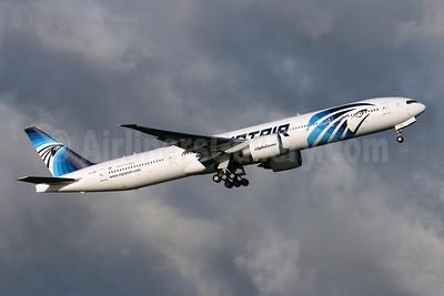 EgyptAir Boeing 777-36N ER SU-GDM (msn 38285) PAE (Nick Dean). Image: 904781.